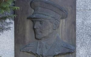 Štítina. Pomník Heliodoru Píkovi