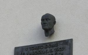 Turnov. Pamětní deska Janu Patočkovi