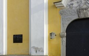 Vilémov-Klášter. Pamětní deska Josefu Chadrabovi