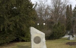 Plzeň. Symbolický hrob Heliodora Píky