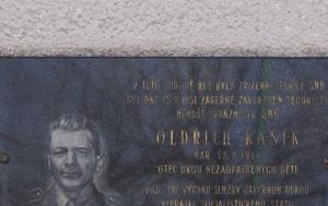 Chlumec nad Cidlinou. Pamětní deska Oldřichu Kašíkovi