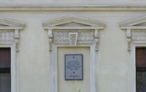 Křečhoř-Kutlíře. Pamětní deska obětem a utrpení selského lidu v době kolektivizace