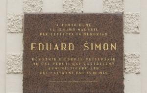 Roudnice nad Labem. Pamětní deska Eduardu Šimonovi