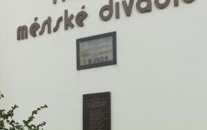 Nymburk. Pamětní deska obětem druhého nymburského procesu