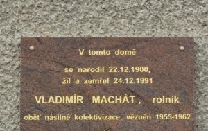Horka nad Moravou. Pamětní deska Vladimíru Machátovi