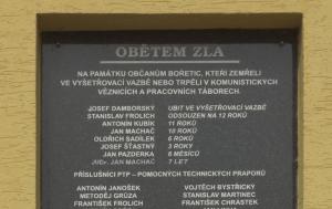 Bořetice. Pamětní deska obětem komunistického režimu