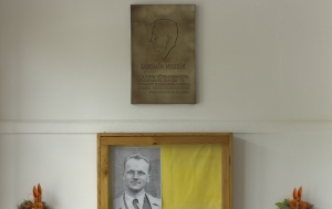 Lipov. Pamětní deska Jaromíru Hlubíkovi