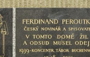 Praha 5. Pamětní deska Ferdinandu Peroutkovi