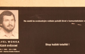 Žďár nad Sázavou. Pamětní deska Pavlu Wonkovi