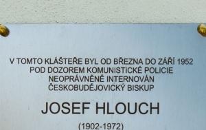 Kadaň. Pamětní deska Josefu Hlouchovi