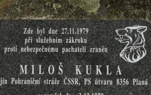 Zadní Chodov. Pomník Miloši Kuklovi