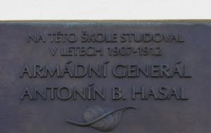 Rakovník. Pamětní deska Antonínu Hasalovi