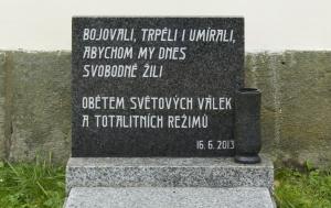 České Libchavy. Pomník obětem světových válek a totalitních režimů