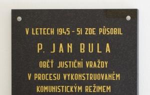 Rokytnice nad Rokytnou. Pamětní deska Janu Bulovi