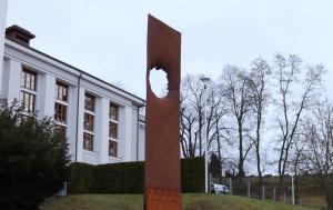 Červený Kostelec. Pomník obětem a odpůrcům komunismu