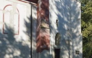Zahrádka. Pamětní deska a socha Josefa Toufara