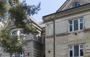 Havlíčkův Brod. Pamětní deska Pavlu Landovskému