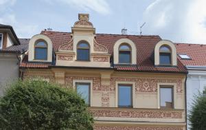 Hluboká nad Vltavou. Pamětní deska Janu Kostohryzovi