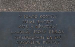 Plzeň. Pamětní deska Josefu Beranovi II