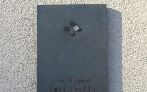 Praha 10. Pamětní deska Emilu Horčíkovi