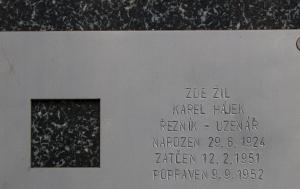 Praha 1. Pamětní deska Karlu Hájkovi