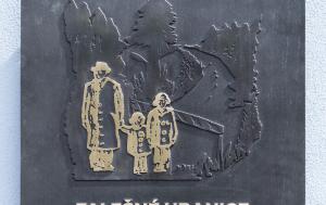 Kdyně. Pamětní deska obětem akce Kámen
