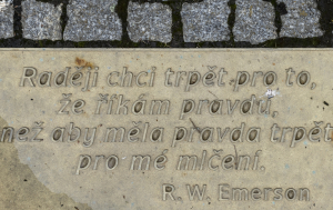 Prachatice. Památník obětem totalitních režimů
