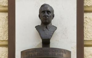 Praha 4. Pamětní deska Karlu Kutlvašrovi