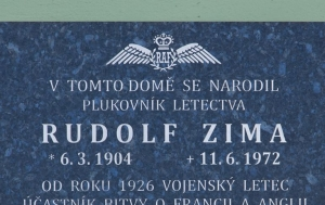 Jindřichův Hradec. Pamětní deska Rudolfu Zimovi