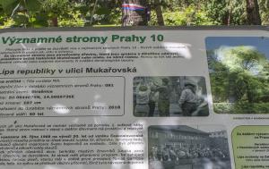 Praha 10. Pamětní deska u skautské Lípy republiky