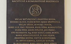 Mladá Boleslav. Pamětní deska sokolským obětem nacismu a komunismu