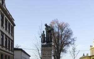Turnov. Pomník obětem první a druhé světové války a obětem komunismu