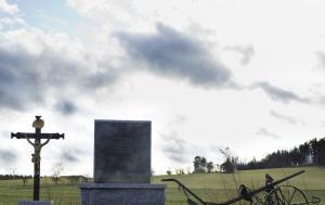 Květinov-Radňov. Pomník obětem kolektivizace