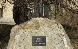 Ledeč nad Sázavou. Park a pomník Josefu Toufarovi
