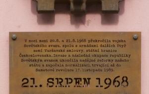 Boskovice. Pamětní deska upomínající na 21. srpen 1968