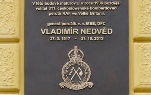 Kyjov. Pamětní deska Vladimíru Nedvědovi