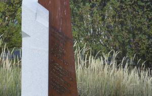 Sivice. Pomník Bohumilu Bočkovi a obětem válek