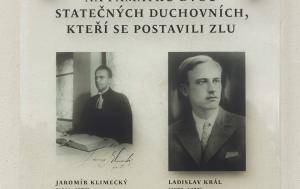 Beroun. Pamětní deska Jaromíru Klimeckému a Ladislavu Královi