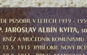 Brno-Husovice. Pamětní deska Jaroslavu Albínu Kvitovi