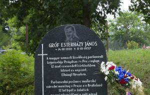 Mírov. Symbolický hrob Jánose Esterházyho