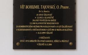 Želiv. Pamětní deska Vítu Bohumilu Tajovskému
