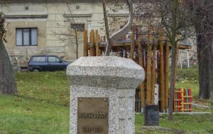 Hrobčice. Památník k 30. výročí Listopadu 1989