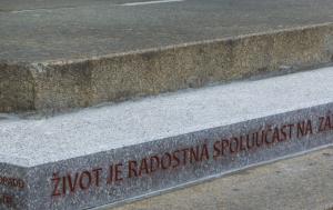 Liberec. Památník 17. listopadu 1989