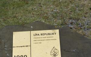 Bystřice pod Hostýnem. Pamětní deska u Lípy republiky