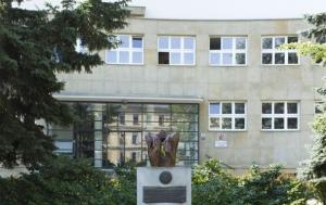 Kroměříž. Pomník internovaným ve vojenských táborech nucených prací
