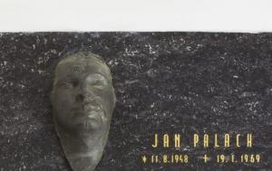 Všetaty. Pamětní deska Janu Palachovi IV