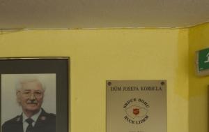 Brno. Pamětní deska Josefu Korbelovi