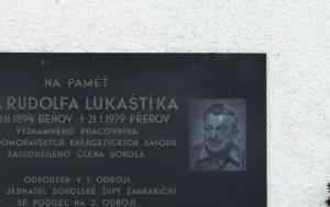 Přerov. Pamětní deska Rudolfu Lukaštíkovi