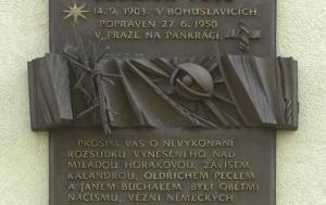 Bohuslavice. Pamětní deska Oldřichu Peclovi