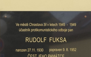 Chrastava. Pamětní deska Rudolfu Fuksovi II